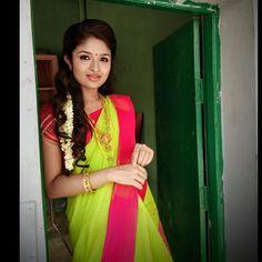 Bengali Bride, Family Images, Indian Jewellery Design, Indian Models, Indian Sarees, Movies To Watch, Biography, Sari, Actresses