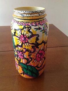 Decorate your home and office with flower vase which is hand painted with acrylic paint. To buy visit Soapart today.