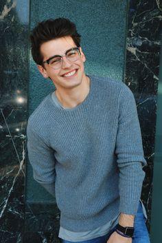 Blake Steven (Blake Steven) 22 años (1994) Hombre lobo. *Bleik Estiven*