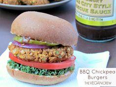 BBQ Chickpea Burger | thevegancrew.com