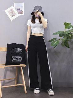 Check out this Stylish korean street fashion can find Korean street fashion and more on our website.Check out this Stylish korean street fas. Basic Fashion, Set Fashion, Korean Girl Fashion, Korean Fashion Trends, Korean Street Fashion, Korea Fashion, Kpop Fashion, Trendy Fashion, Fashion Outfits