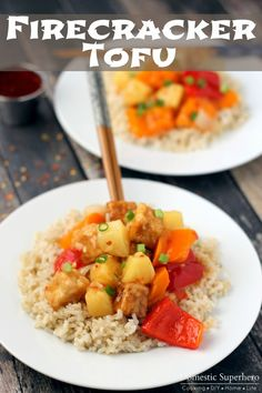 Honey Sesame Tofu is the perfect dinner for meatless Monday or vegetarians. The tofu is fried up crispy and then tossed in a delicious sweet sauce! Tofu Recipes, Vegetarian Recipes, Cooking Recipes, Vegetarian Bowl, Yummy Recipes, Healthy Recipes, Fruit Recipes, Fall Recipes, Keto Recipes