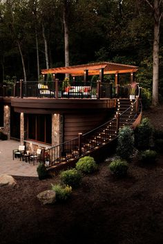 like the lighting wood decking planter boxes on side nothing else