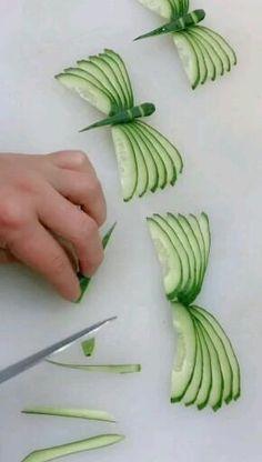 Easy Food Art, Food Art For Kids, Creative Food Art, Diy Food, Amazing Food Decoration, Amazing Food Art, Vegetable Decoration, Food Sculpture, Vegetable Carving