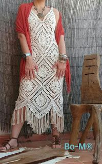Crochet boho granny squares dress by Bo-M, dress it up or dress it down, you can never go wrong wearing this gorgeous dress ?Today's boho inspiration ? Gilet Crochet, Crochet Blouse, Crochet Lace, Crochet Bikini, Easy Crochet, Crochet Designs, Crochet Patterns, Crochet Summer Dresses, Mode Crochet