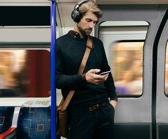 Модель наушников ATH-MSR7NC отлично подходит и для прослушивания музыки в метро  #audiotechnica #ath #msr7nc #headphones