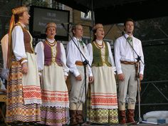 Lithuanian Folk Costumes: Women's and Men's Lithuanian Folk Costumes