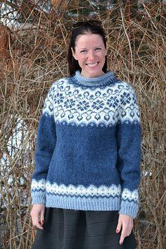 Ravelry: Sundrops / Solgløtt pattern by Vanja Blix Langsrud Knitting Socks, Knitting Stitches, Free Knitting, Fair Isle Knitting Patterns, Garter Stitch, Vintage Knitting, Knit Crochet, Crochet Granny, Knitwear