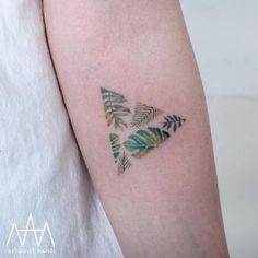 60 Stunning Watercolor Tattoo Ideas for Women - Page 25 of Small watercolor tattoos; watercolor tattoos for women; Botanisches Tattoo, Body Art Tattoos, New Tattoos, Tattoos For Guys, Cool Tattoos, Glyph Tattoo, Tattoo Pain, Shape Tattoo, Ankle Tattoos