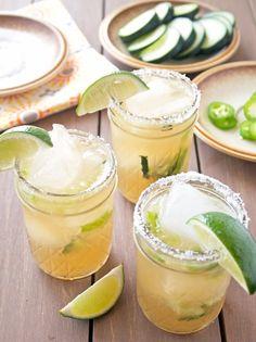 Préparation pour Margarita pickture.com/gastronomy/preparation-pour-margarita-726682 #summer #margarita #drinks #cocktail