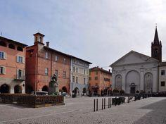 Piazza Sant'Agostino.