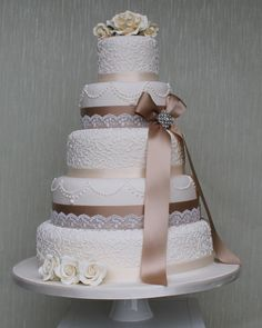 Lace Wedding Cakes #vintagewedding #lacewedding