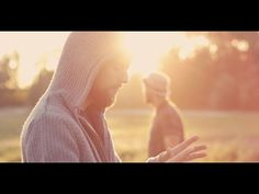 Tourist LeMC - De Troubadours ft. Flip Kowlier - YouTube   for me one of the songs of 2015...