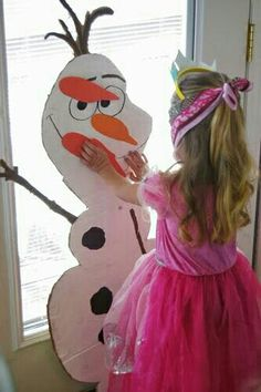 Frozen Party Inspiration - My Life and Kids Pin the nose on olaf, Olaf, - Frozen birthday party games with free printable Don't Eat Olaf Game Disney Frozen Party, Frozen Birthday Party Games, Olaf Frozen, Frozen Theme Party, 6th Birthday Parties, Girl Birthday, Birthday Ideas, Frozen Games, Disney Party Games