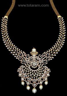 18 Karat Rose Gold Polish Diamond Necklace With South Sea Pearls Gold Bangles Design, Gold Jewellery Design, Gold Jewelry, Diamond Jewellery, Indian Wedding Jewelry, Indian Bridal, Bridal Jewelry, Diamond Necklace Set, Diamond Pendant