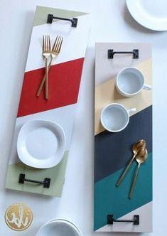 Original DIY Tabletts mit Brettern Floriane Lemari – The World Diy Home Crafts, Diy Home Decor, Decoration Piece, Ideias Diy, Diy Holz, Wooden Diy, Wooden Trays, Painted Wooden Boxes, Diy Furniture