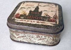 """RUSSIA USSR  """"ВДНХ"""" VDNKh Tooth-Powder VINTAGE TIN BOX by """"SVOBODA"""" Moscow 1950s"""
