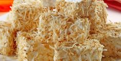 Maria-mole with toasted coconut ingredients . 1 package of shredded coconut . 1 cup (tea) of sugar . An envelope gelatin colorless Toasted Coconut, Shredded Coconut, Mole, Gelatin, Cookies, Entrees, Cabbage, Vegetables, Desserts
