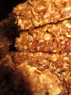 Cookie Recipes, Dessert Recipes, Desserts, Bread Recipes, Crunchie Recipes, Cut Recipe, Cookie Packaging, South African Recipes, Biscuit Recipe
