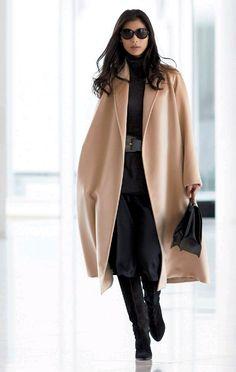 35 Classy Winter Outfit Ideas to Career Women Gorgeous 35 Classy Winter Outfit Ideas to Career Women Estilo Fashion, Fashion Mode, Urban Fashion, Trendy Fashion, Womens Fashion, Fashion Trends, Fashion Ideas, Fashion 2018, Cheap Fashion