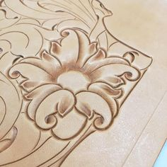 #leatherwallet #leathertooling #leathercarving #leathercraft #handmade #leathergoods #レザークラフト #レザーカービング #唐草 #財布