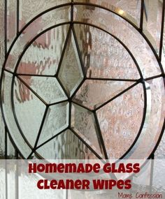 Homemade Glass Cleaner Wipes Spring cleaning will be here soon and now is the time to start preparing our game plan. From rain to snow, the windows take a beating during the winter months and Homemade Cleaning Products, Household Cleaning Tips, House Cleaning Tips, Natural Cleaning Products, Cleaning Hacks, Cleaning Wipes, Spring Cleaning, Household Cleaners, Green Cleaning