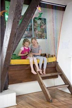 Qué niño no sueña con su propio escondite secreto? Esta percha es un punto ideal para los niños que anhelan un lugar tranquilo para jugar.