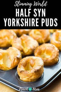 Half Syn Yorkshire Puddings Slimming World Recipes Slimming World Treats, Slimming World Dinners, Slimming World Recipes Syn Free, Slimming World Syns, Slimming Eats, Roast Dinner Slimming World, Slimming World Cheesecake, Slimming World Puddings, Slimming World Syn Values