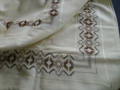 Dina Inspirações: Vagonite Swedish Embroidery, Monks Cloth, Weaving Designs, Swedish Weaving, Hand Embroidery Stitches, Darning, Bargello, Needlework, Free Pattern