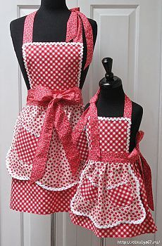 Reversible Mommy and Me Retro Apron Set No pattern Retro Apron, Aprons Vintage, Sewing Hacks, Sewing Projects, Cute Aprons, Sewing Aprons, Apron Designs, Kitchen Aprons, Mommy And Me