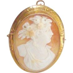 10 Kt Yellow Gold Carved Shell Cameo from bonnieboswellantiques on Ruby Lane