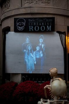 Brooklyn Limestone l October 2018 This year we went with a haunted movie theater concept. I present: The Screaming Room @ Windsor Terror Cinemas Halloween Scene, Halloween Party Themes, Halloween Movies, Halloween House, Halloween 2020, Halloween Diy, Halloween Decorations, Halloween Stuff, Diy Movie Theater Room