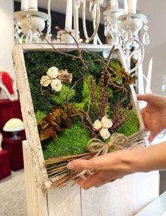 Moss Graffiti, Creative Flower Arrangements, Moss Plant, Moss Wall Art, Vertical Garden Diy, Organic Art, Moss Garden, Diy Planters, Garden Crafts