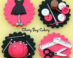 Fashion Design Sewing Fondant Cupcake Toppers Edible Seamstress Cupcakes ~ Perfect for someone who's made their first dress or done a fashion course!Seamstress Cupcakes ~ Perfect for someone who's made their first dress or done a fashion course! Fondant Cupcake Toppers, Fondant Cookies, Cupcake Cookies, Sewing Machine Cake, Sewing Cake, Fondant Figures, Cake Decorating Tutorials, Cookie Decorating, Fashion Cupcakes