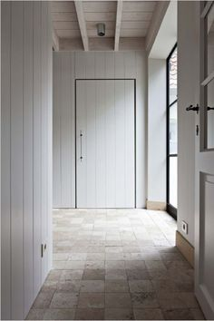 Belgian design - but a curved wall for my hallway - j