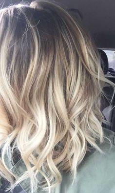 Saiba manter a raiz dos seus cabelos retocadas e mantenha lindos o contraste dos seus fios com as luzes ou mechas que tiver! #dicas #tratamentos #comoretocararaiz #salaovirtual