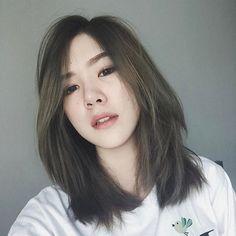 44 trendy Ideas haircut inspiration medium for women Korean Medium Hair, Korean Hair Color, Korean Short Hair, Medium Hair Cuts, Short Hair Cuts, Medium Hair Styles, Long Hair Styles, Korean Bob, Trendy Haircuts