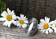 "Jetzt im Angebot!  ""HELENA""- der trachtige Ring aus Silber passt perfekt zum Sommerdirndl.  #trachtenring #ringe #silberschmuck #dirndlschmuck #trachten Outfit Des Tages, Rings, Silver, Jewelry, Nice Jewelry, Nice Asses, Jewlery, Money, Jewels"