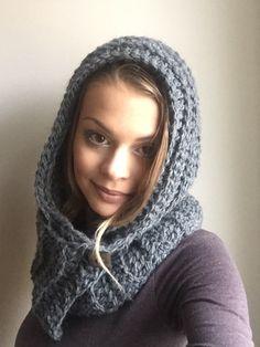 Crochet Crocheting, Scarves, Winter Hats, Fashion, Crochet, Scarfs, Moda, Fashion Styles, Fashion Illustrations