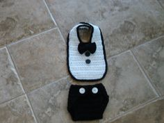 Hand crocheted tuxedo bib and diaper cover for baby, infant. photo prop, size 0-6 mos - Ready to Ship