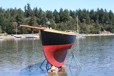 Prettiest boat under thirty feet: plank on edge