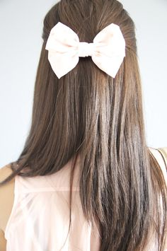 Remember these hair bows ?? I wore them in highschool in the 80s!!