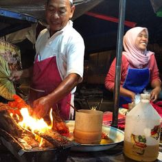 We just went to an awesome local street market our host told us about in suburban Kuala Lumpur - one word -> yum!! #upsticksandgo #localfood #market #foodmarket #KL #kualalumpur #delicious #thankful #travelgram #travelphotos #travelfood #foodtravel #malay | Flickr - Photo Sharing!