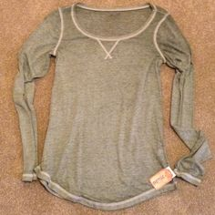Cute green long sleeve Soft and thin. Great for layering or wearing on its own. Fits like a small. Mudd Tops Tees - Long Sleeve