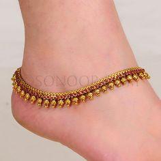 Latest Sonoor Payal Designs 2014 15 Payal Designs For Brides Stylish Jewelry, Modern Jewelry, Fine Jewelry, Fashion Jewelry, Gold Jewelry, Jewelry Shop, Anklet Designs, Necklace Designs, Jewellery Designs