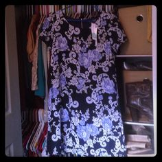Papermoon for Stitch Fix Floral pattern dress Pretty dress in size  petite medium! High quality dress, very nice fabric and very flattering on. Papermoon for Stitch Fix Dresses