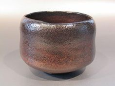 "Black raku-yaki tea bowl in the style of Raku Chôjirô - ""Kashiki"" - By Shôraku Sasaki"