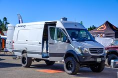 The Trucks Campers and Trailers of Expo West 2018 Expedition Portal 4x4 Camper Van, 4x4 Van, Off Road Camper, Truck Camper, Sprinter Van Conversion, Camper Van Conversion Diy, Mercedes Sprinter Camper, Benz Sprinter, Vintage Industrial Furniture