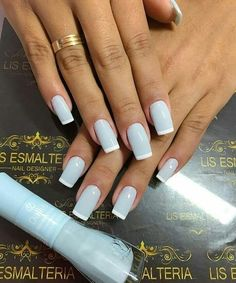 Want to learn to be a professional manicure and win over reais per month? Visit the site and check: Hotm.art/aulas-manicure-e-pedicure Chic Nails, Stylish Nails, Heart Nail Designs, Nail Art Designs, Nails Design, French Pedicure Designs, Toe Nails, Pink Nails, Stiletto Nails