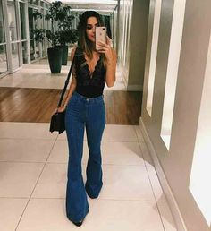 look balada: calça jeans flare e body lingerie decotado The post Siena High Waisted Vintage Bootleg Jeans appeared first on Jean. Bootleg Jeans Outfit, Flare Jeans Outfit, Jeans Flare, Denim Pants, Outfits With Bootcut Jeans, T Shirt And Jeans, Denim Skirt, Jean Shorts, Mode Outfits
